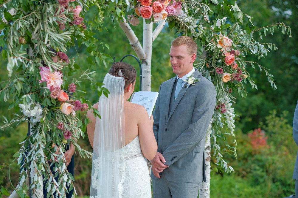 Toad-Hill-Farm-Candid-wedding-photography-445.jpg