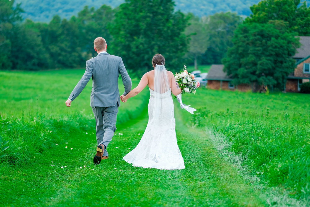 Toad-Hill-Farm-Candid-wedding-photography-543.jpg