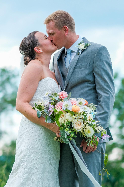 Toad-Hill-Farm-Candid-wedding-photography-550.jpg