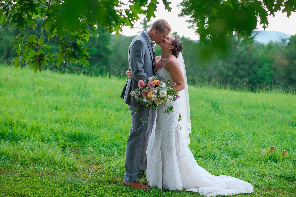 Toad-Hill-Farm-Candid-wedding-photography-967.jpg
