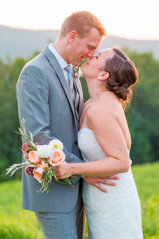 Toad-Hill-Farm-Candid-wedding-photography-1087.jpg