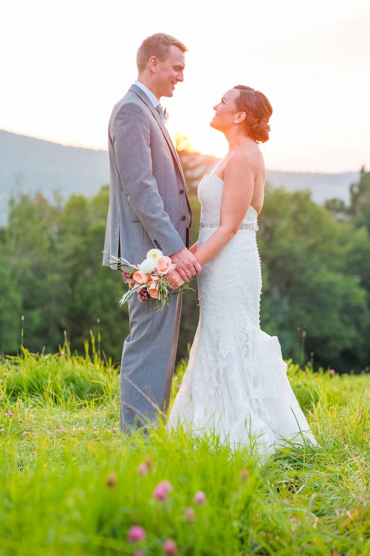 Toad-Hill-Farm-Candid-wedding-photography-1094.jpg