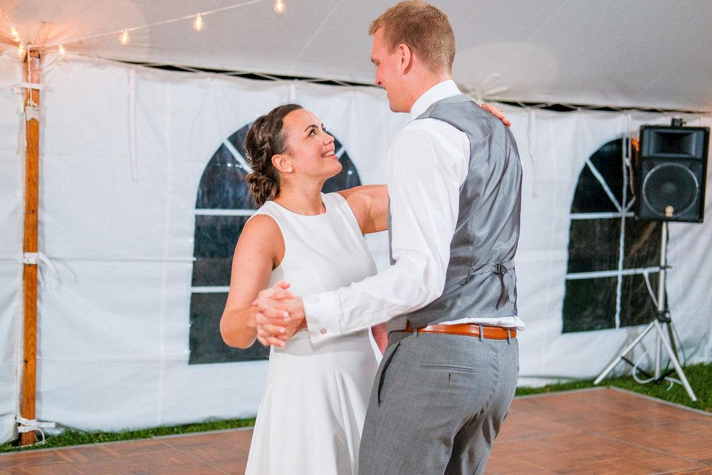 Toad-Hill-Farm-Candid-wedding-photography-1201.jpg
