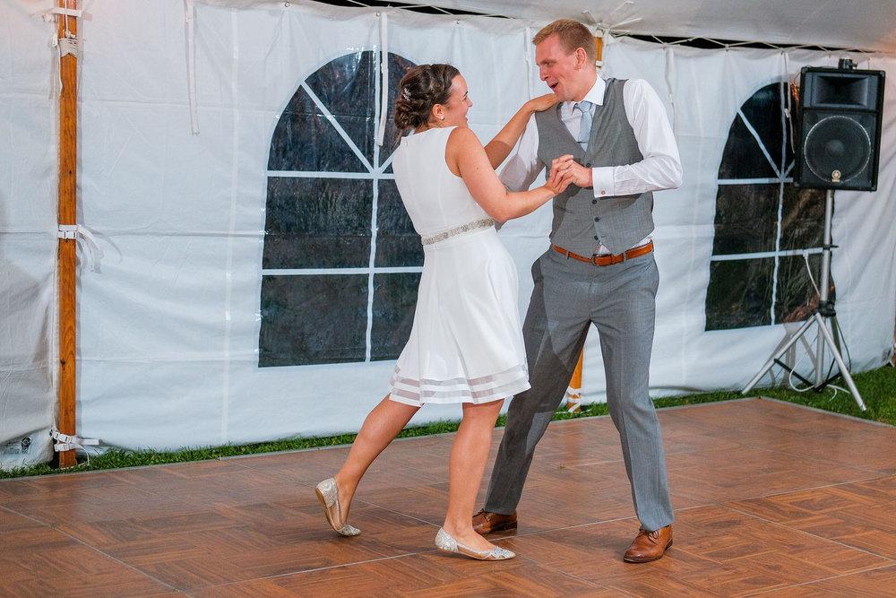 Toad-Hill-Farm-Candid-wedding-photography-1206.jpg