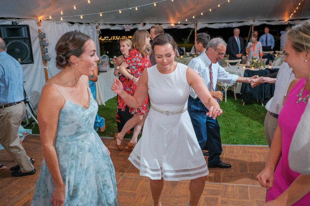Toad-Hill-Farm-Candid-wedding-photography-1230.jpg