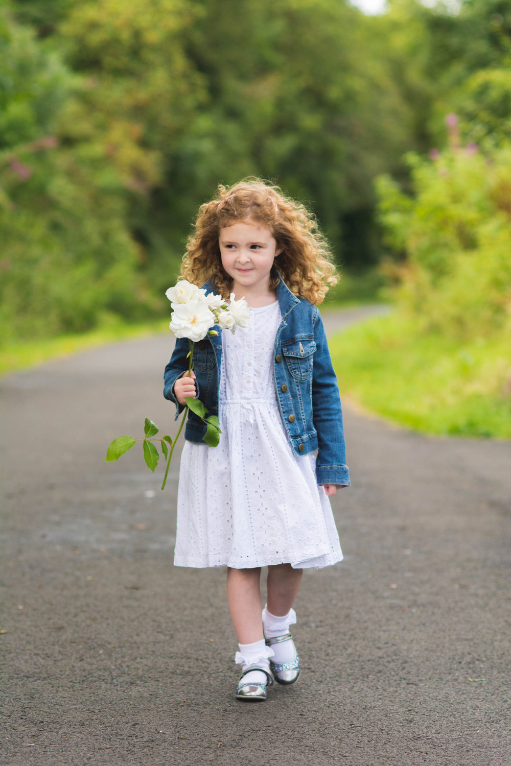Girl with flower - Outdoor Photoshoot near Paisley