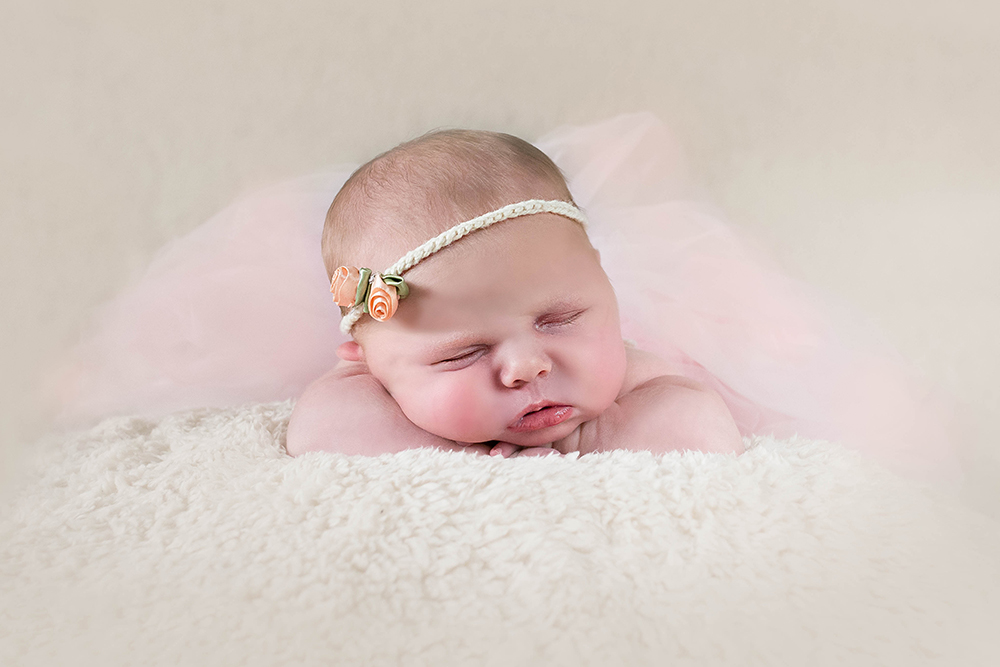 flower-hairband-sleeping-baby-photographer-greenock