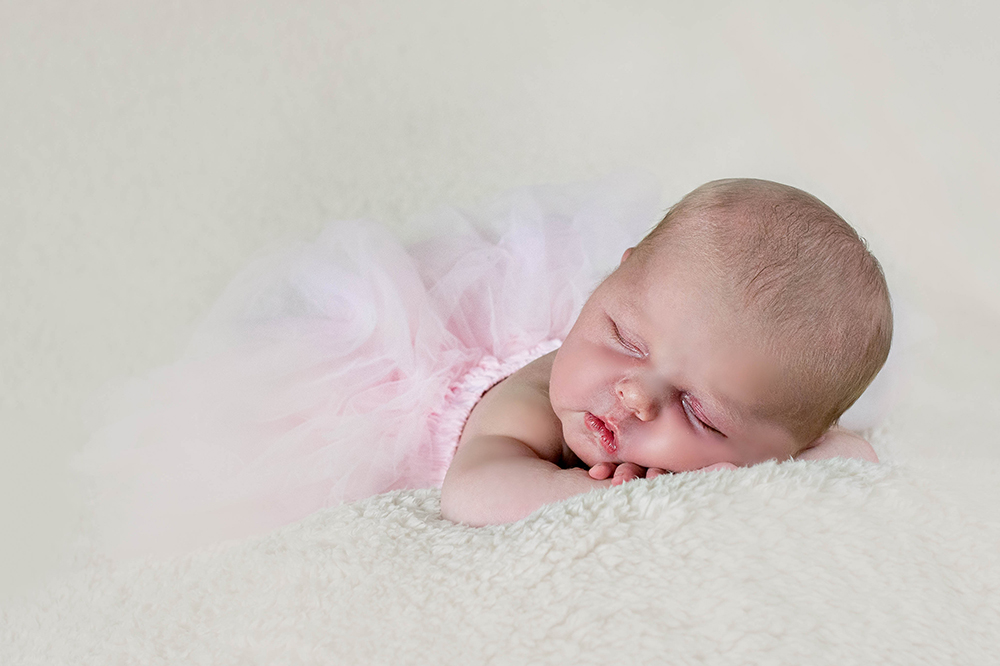 pretty-baby-sleeping-baby-photographs-glasgow