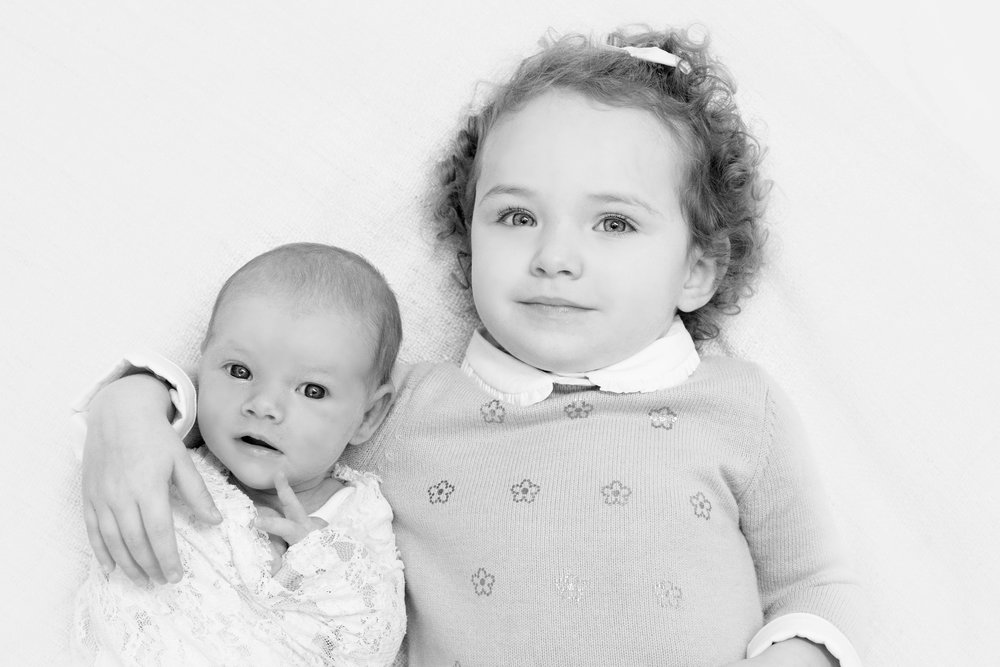 awake baby with sister best newborn photographer glasgow