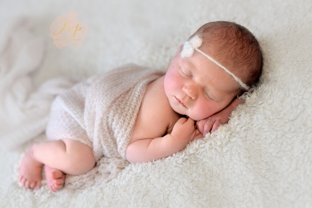 newborn-photographer-near-me-holly-asleep