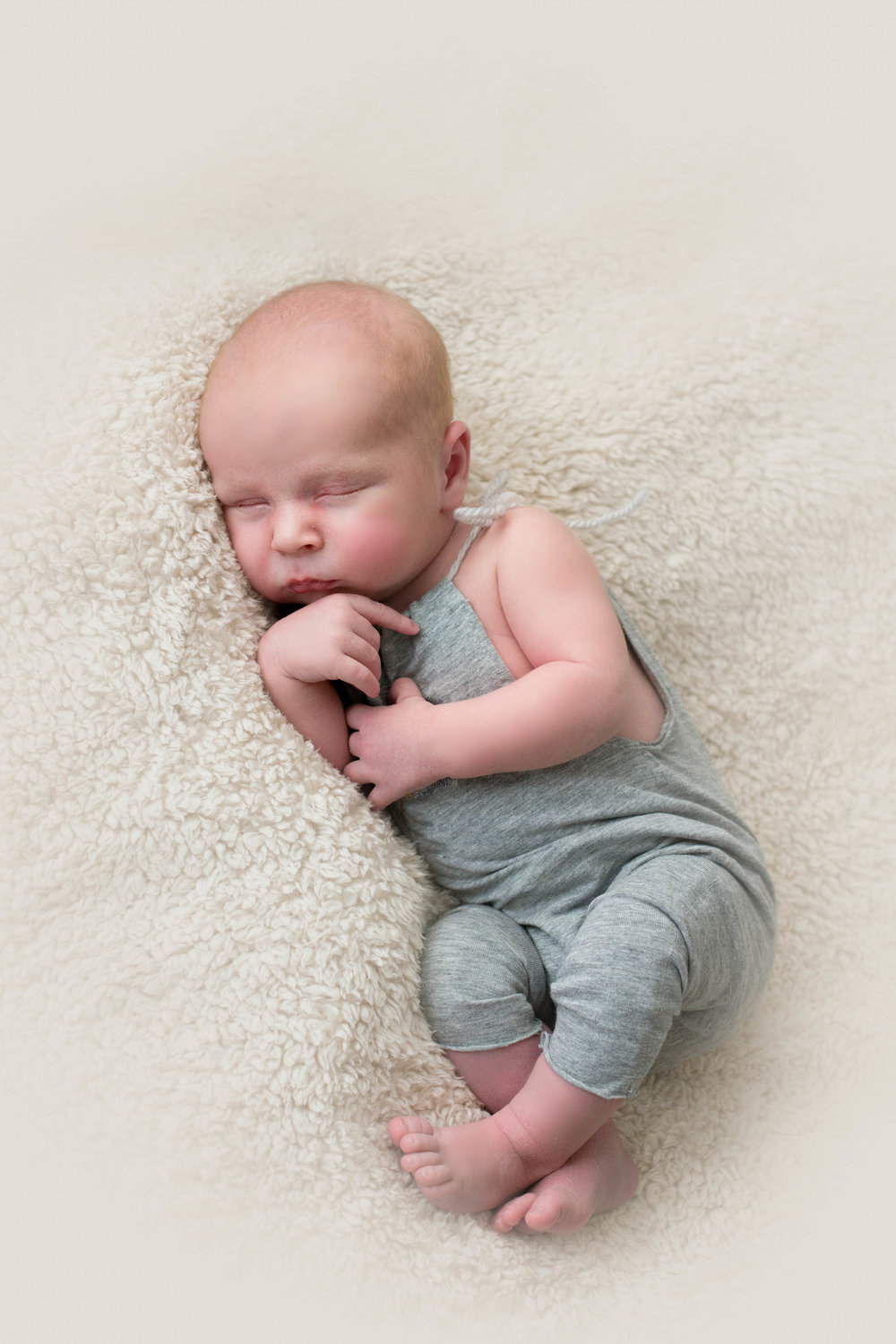 newborn-photographer-glasgow-grey-suit-asleep