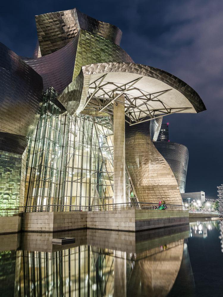 LDKphoto_Guggenheim-Bilbao-051.jpg