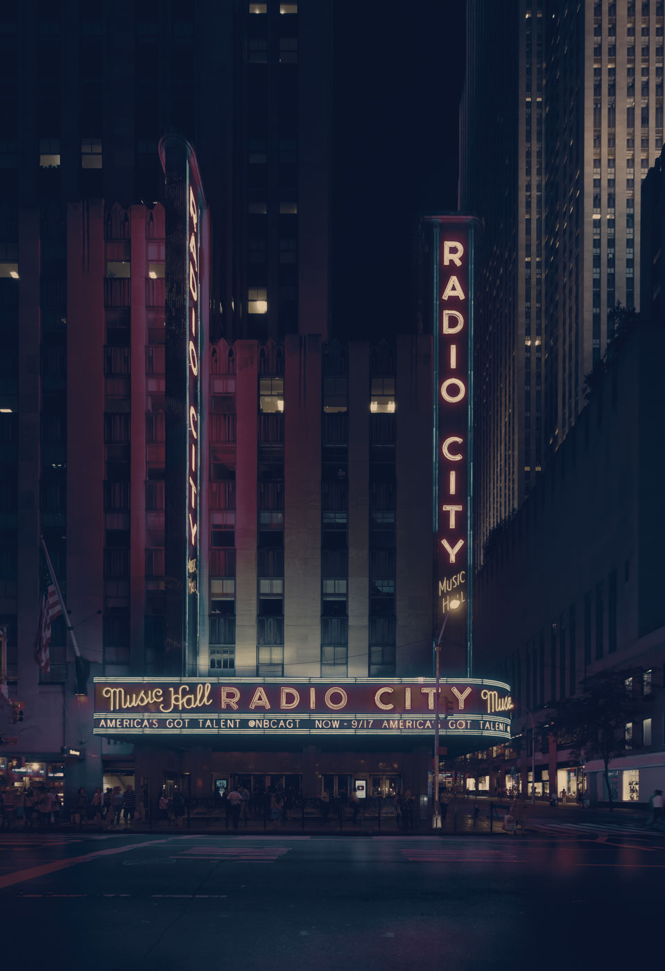 NYC2017-still-Radio City Hall nuit pano.jpg