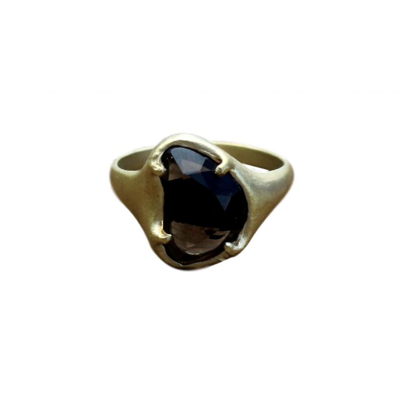 Small_Heart_Ring_Gold_Obsidian_1024x1024.png