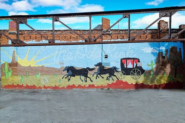 Trying to collect all the Nashville murals? Well here's one you don't have yet! Located behind Gold Rush on Elliston. Remember to use #goldrushnashville when posting your mural pictures!