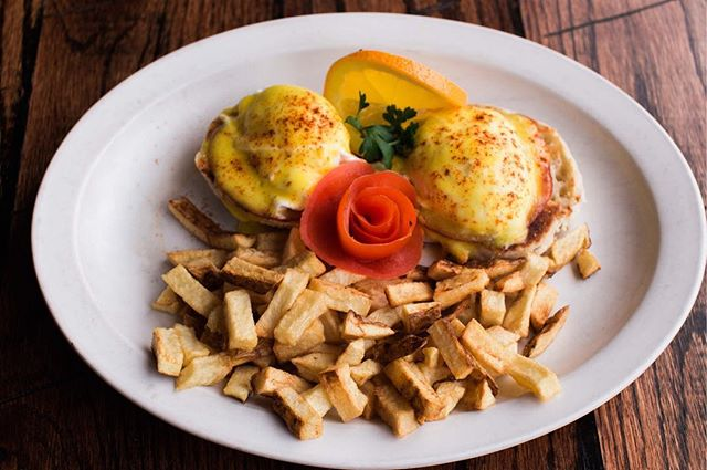 Lower Broadway Hangover? This Eggs Bene has your name on it! $3 Bloody Marys and Mimosas till 3pm!