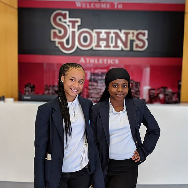 Class of 2022 visiting @stjohnsu was the highlight of our week! 👩🏾🎓Thanks to our board chair Dr. Andre McKenzie and the amazing students and faculty who hosted us! 💙 Families, don't miss our on our financial aid workshop next week --- it's never too early to start planning and saving for college💲💵 . . #collegeaccess #financialaid #ibelieveicaniwill