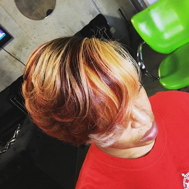 Book now with @vellzdoesmyhair #atlantahairstylist #hairstyles #hair #haircolor #adorehaircolor #atlanta