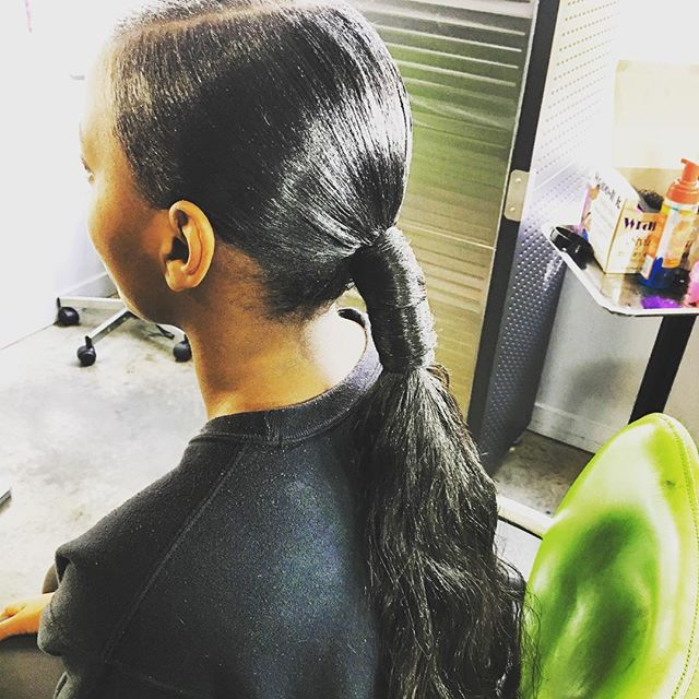 Book now with @vellzdoesmyhair  #atlanta #atlantahairstylist #hairstyles #haircolor #ponytailweave #ponytailstyle #atlponytails #silkpress #atlwigs