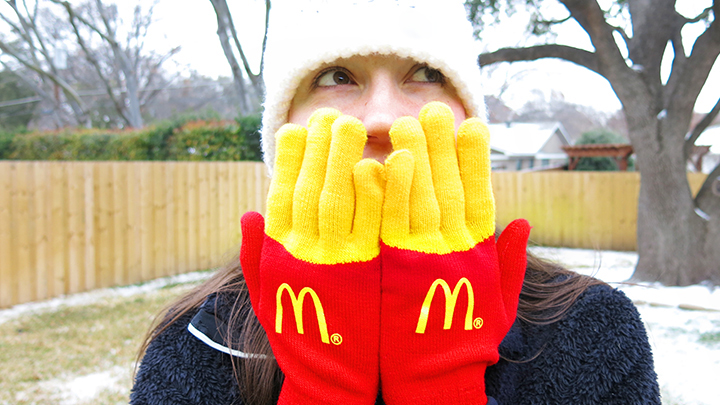 7,000 pairs of Fry Gloves were given to Street Teams to hand out to random passerby. The photo above was also posted online and became a viral hit.