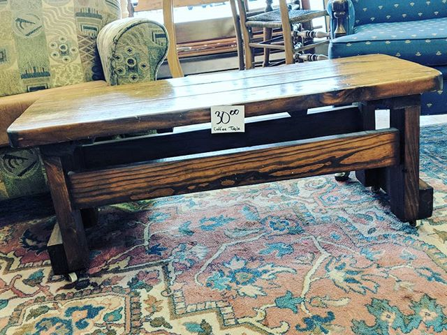 Your home deserves this real wood coffee table. Add some rustic charm to your living room. 🏡❤️ #shoplocalraleigh #raleigh #thriftstorefinds