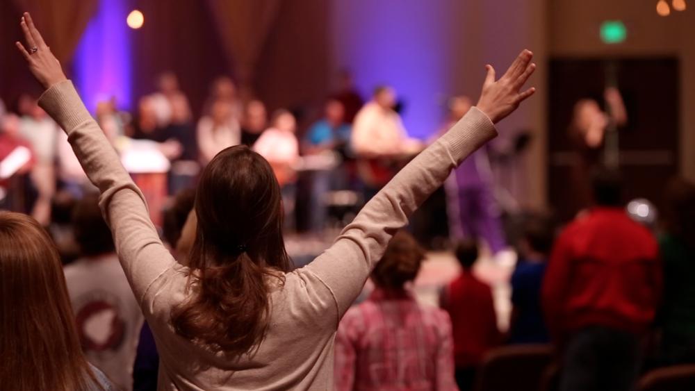 Worship at Hope Church Tupelo