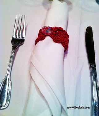©2014Lindsay-Obermeyer-crochetd-napkin-ring