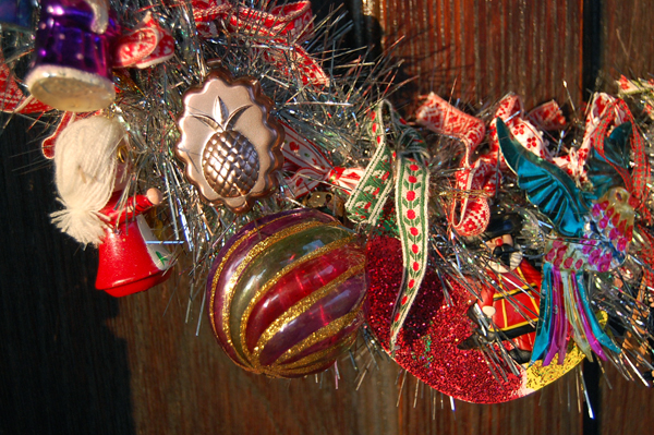2013Lindsay-Obermeyer-Christmas-Wreath-Ornamenets.jpg