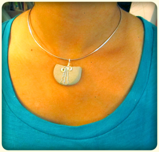 ©2012Lindsay-Obermeyer-pebble-charm.png