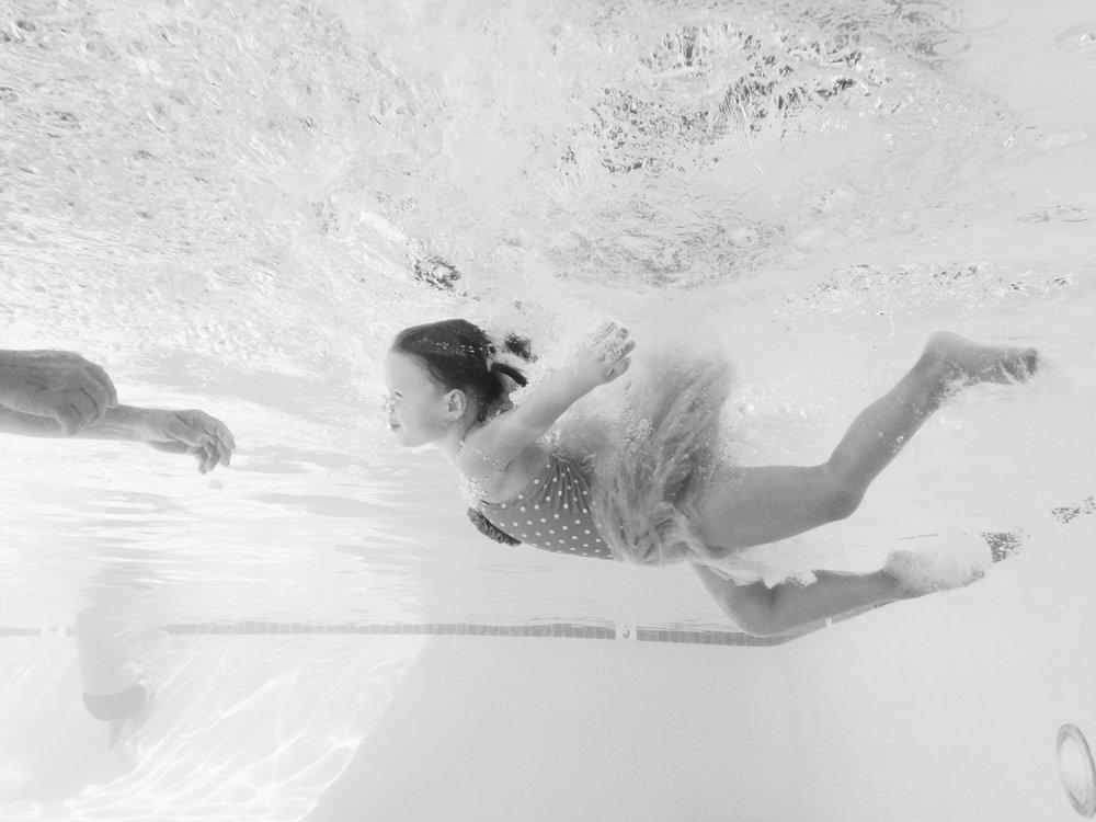 1380.Shewanders.underwater.ashlyn-1097-Edit.jpg