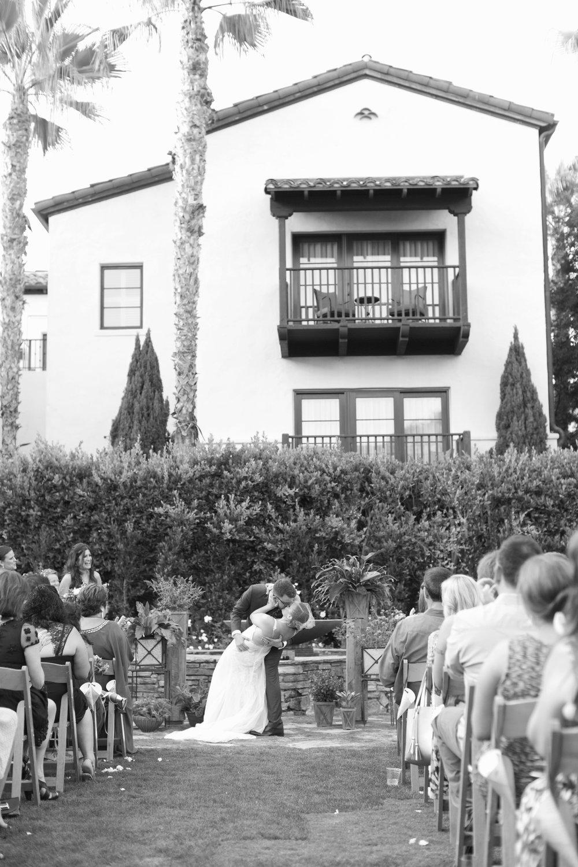san.diego_.wedding.photography.shewanders.isari_.luxe_.brightly.designed337.jpg.wedding.photography.shewanders.isari_.luxe_.brightl.jpg