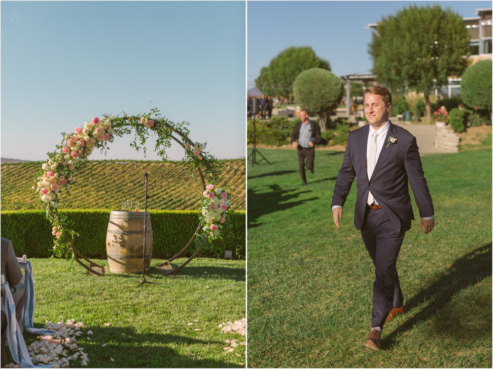 137CALLAWAY.VINEYARD.AND.WINERY.Groom.wedding.photography.shewanders.JPG