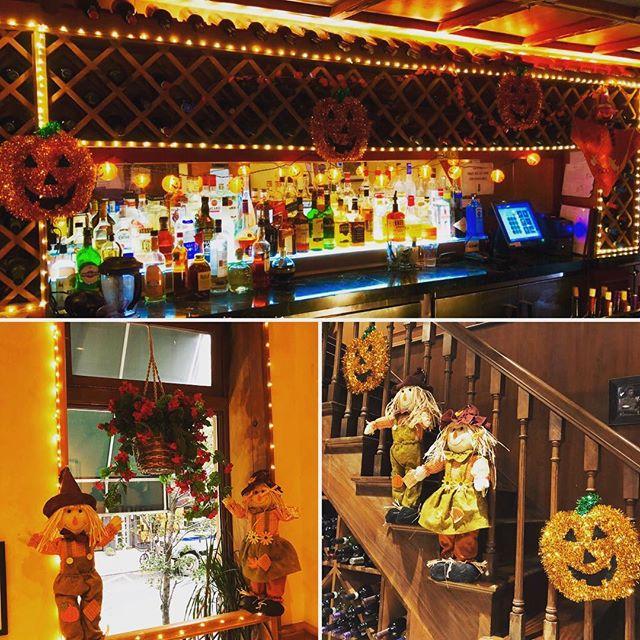 Happy Halloween from Patsy's 60th!! 🎃 #halloween #trickortreat #patsys60th #pizza