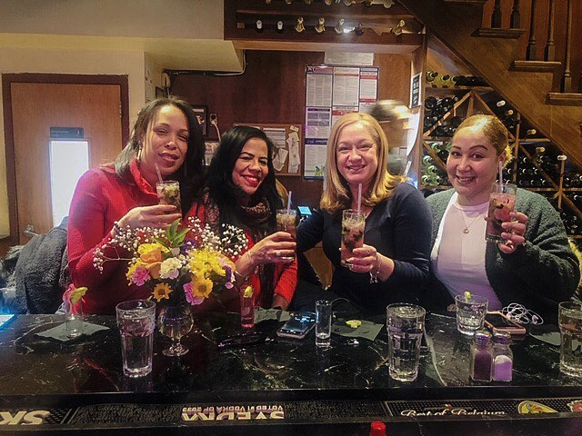Enjoy with your friends our cocktails! #cocktails #drinks #bar #cocktailhour #nightout #friends #pizza #lovefood #nyc #goodvibes #happiness #restaurant #patsys60th #blueberrymojito #drink Happy hour from 1PM-6PM 🍸🍹🍻🍷