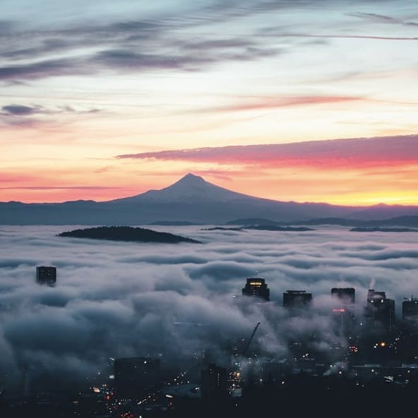 These gorgeous sunrise views are hard to beat. ☀️ (pc:@dakotaketophoto)