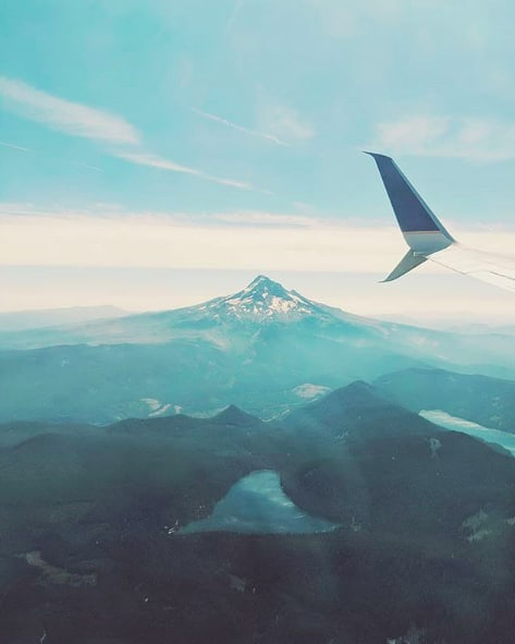 Flying into PDX like... ☁️ (pc:@chrisrstep)