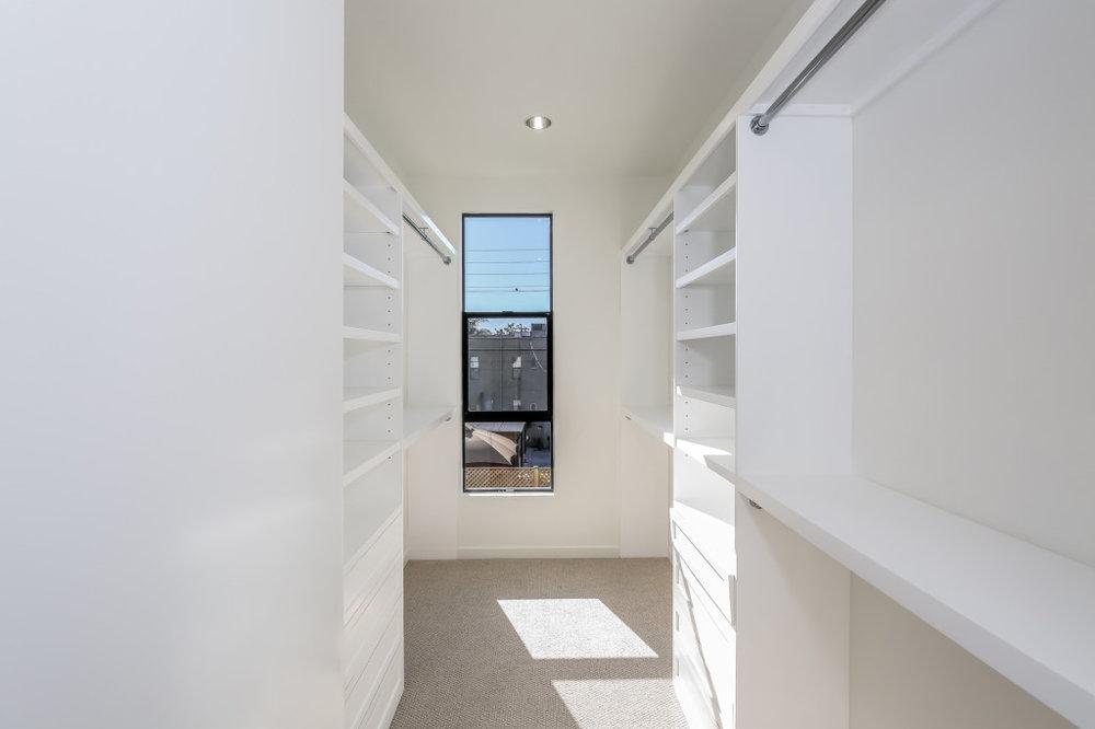 029-Hallway-1982679-medium-1024x682.jpg