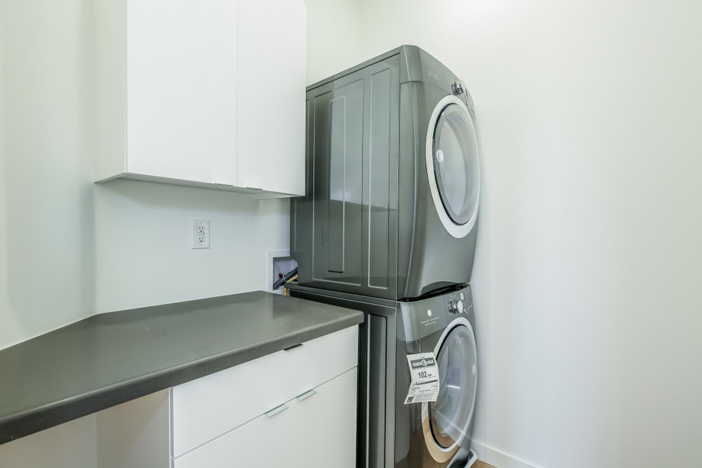 039-Laundry_Room-1982686-medium-1024x682.jpg