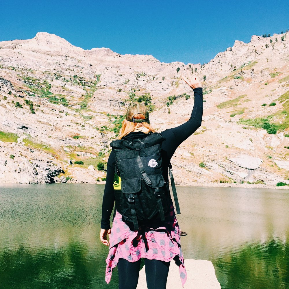 CSB_FrostyBlk-Female-Lake-Hike.JPG