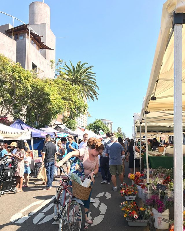 "Farmers Market Season.  Don't forget 50% off your entire order. Enter ""FEELINFALL50"" at checkout. • • • • • • #coldshoulderbags #coldshoulder #coolerbags #backpack #cooler #sale#farmersmarket #sandiego #california #backpackcooler #wherecanyourcoolergo #getoutside #commuter #fall #stayfrosty #stayfrostyfriends"