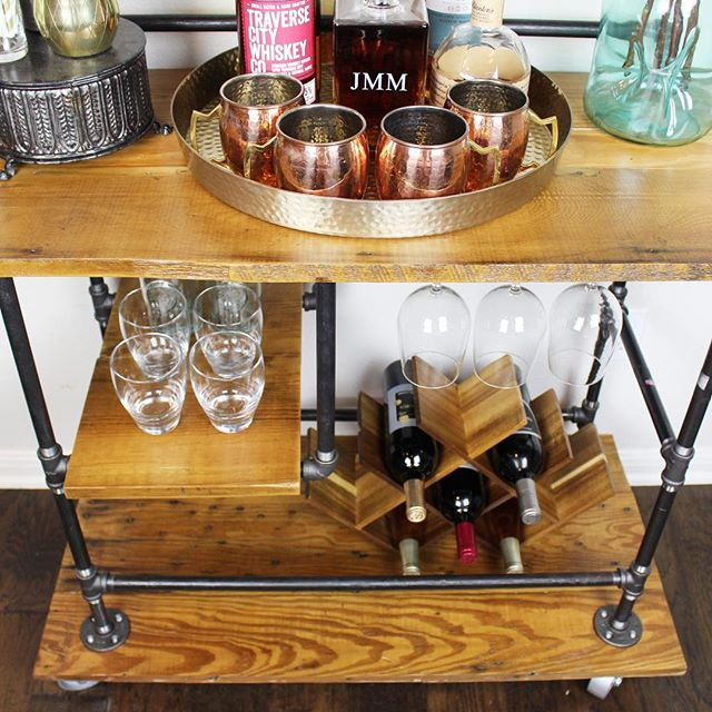 Our newest Reclaimed Industrial Bar Cart🍷🛒 #reclaimedfurniture #etsyshop