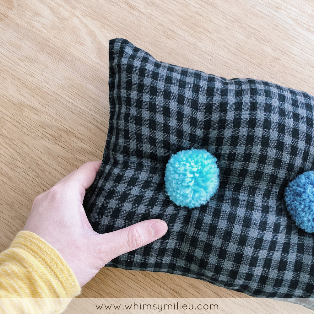 Pompom Tufted Cushion DIY