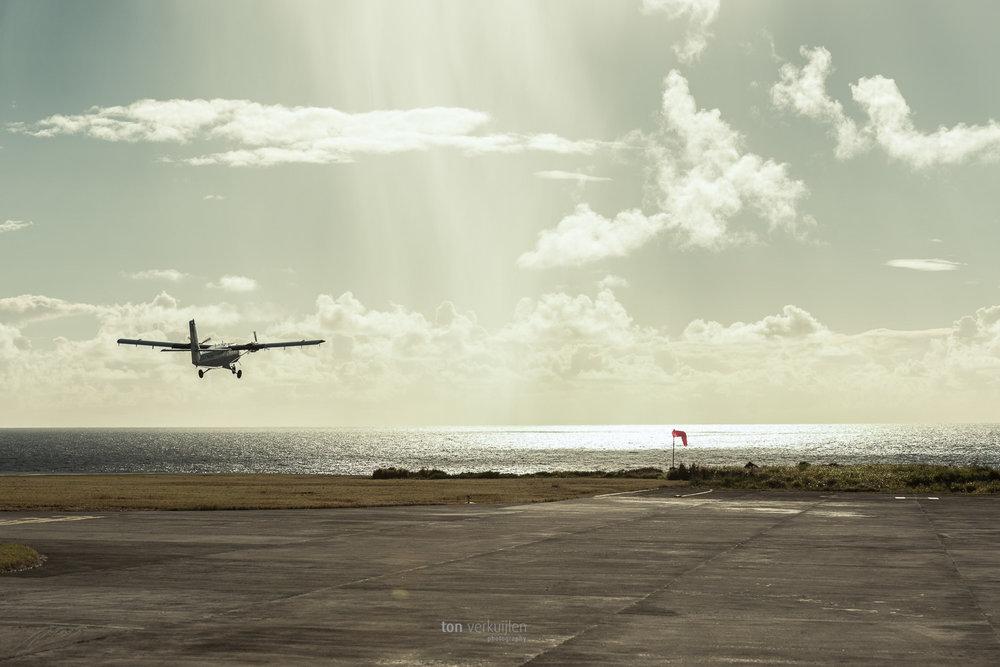 saba airport ton photography