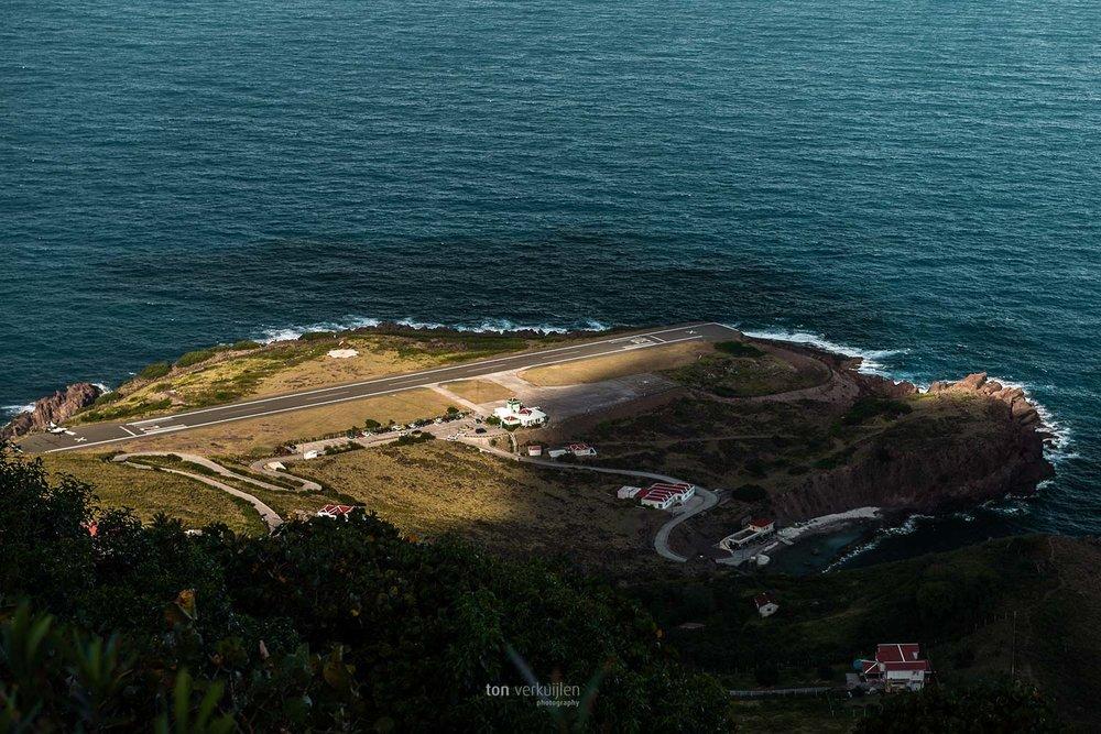 airport runway Saba ton-photography