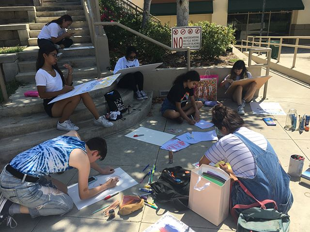 Today, several of our Lit Mag members came together to work on posters for Club Rush Day! This Wednesday, be sure to check out Lit Mag's table 😁