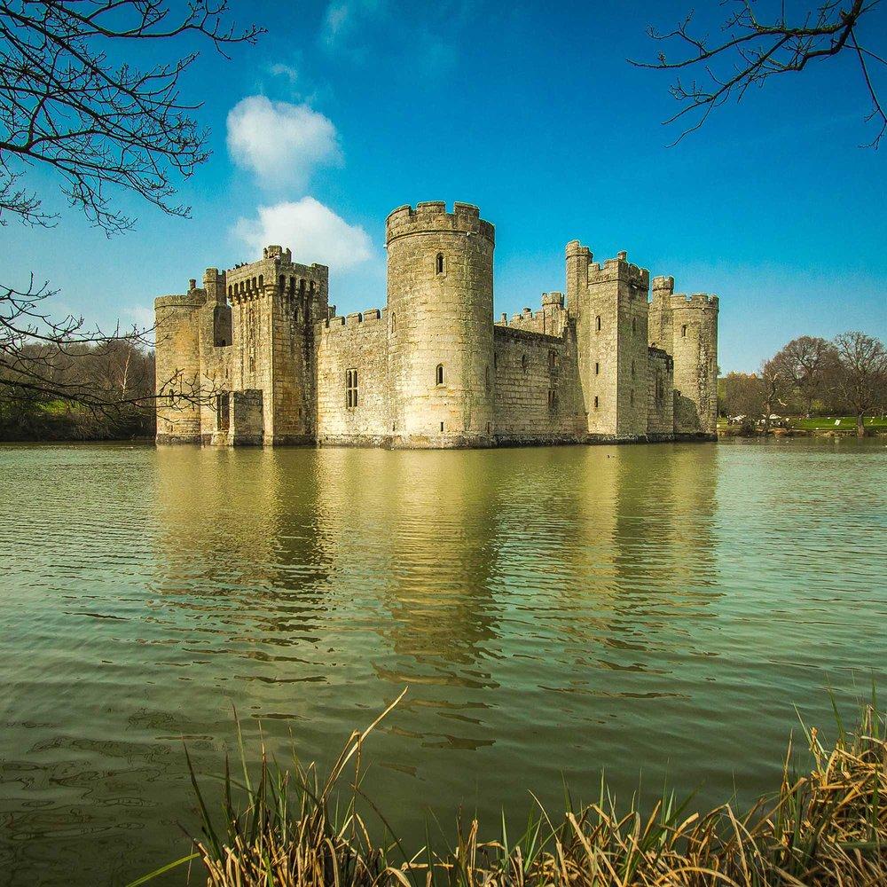 bodiam castle england.jpg