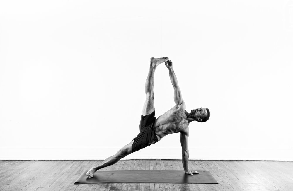 Side Plank w/ Stretch / Vasisthasana 2