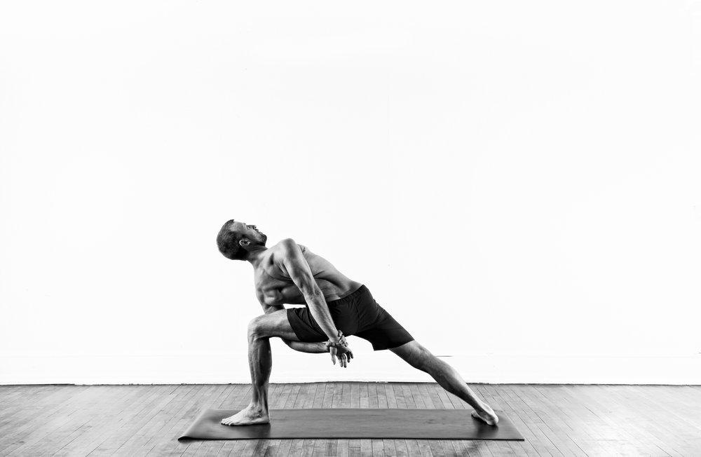 Bound Side Angle / Baddha Parsvakonasana