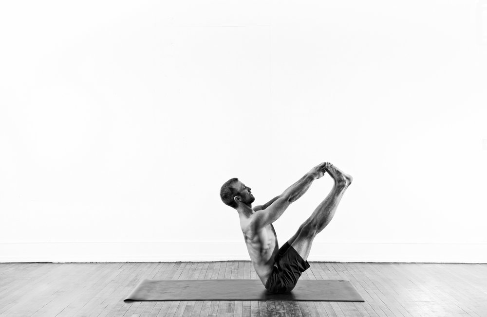 Big Toe Seated Balance / Ubhaya Padangusthasana