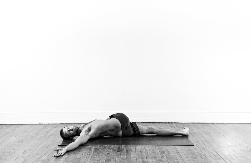 Reclining Twist / Jathara Parivartanasana var.